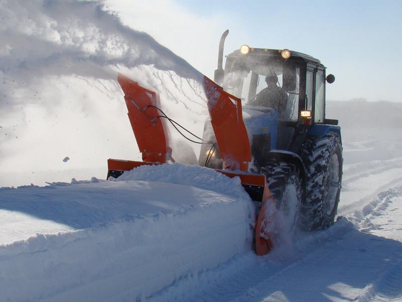 Снегоуборщик на МТЗ 1221